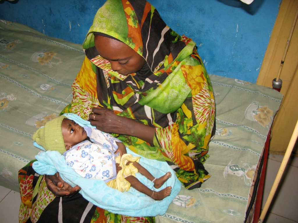 Picture of a Mother and child in Darfur